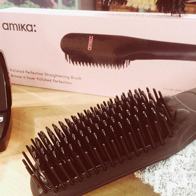 @love_Amika Polished Perfection Straightening Brush uses Negative Ions to polish hair to perfection by closing the hair's cuticle to deliver shiny and smooth {frizz free!} long-lasting style. #techbeauty #amika #shinyhair