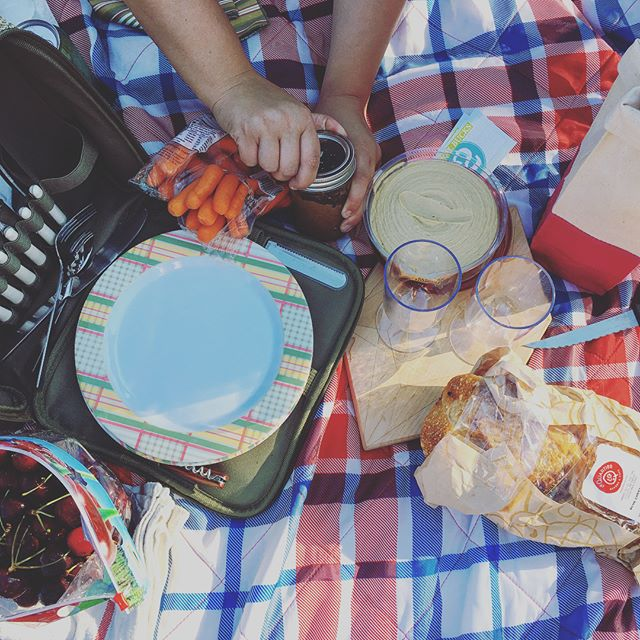 I spy our wine bag #IRL. Had a good time at @midtowncrossing Jazz on the Green last night. Cheers to summer! ☀️