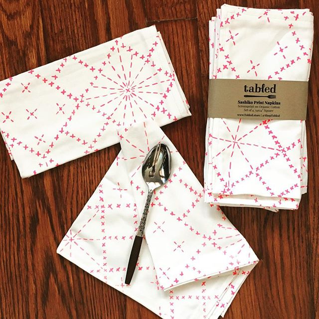 This napkin + this print? Pretty much perfect for your next #picnicinthepark