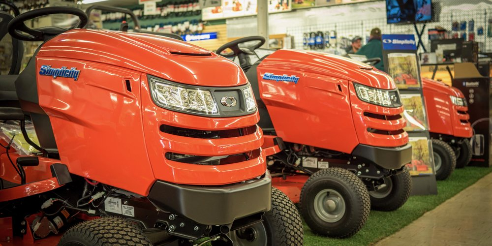 •For those in need of a versatile tool, Simplicity's Tractor Mowers provide the simple solution. -