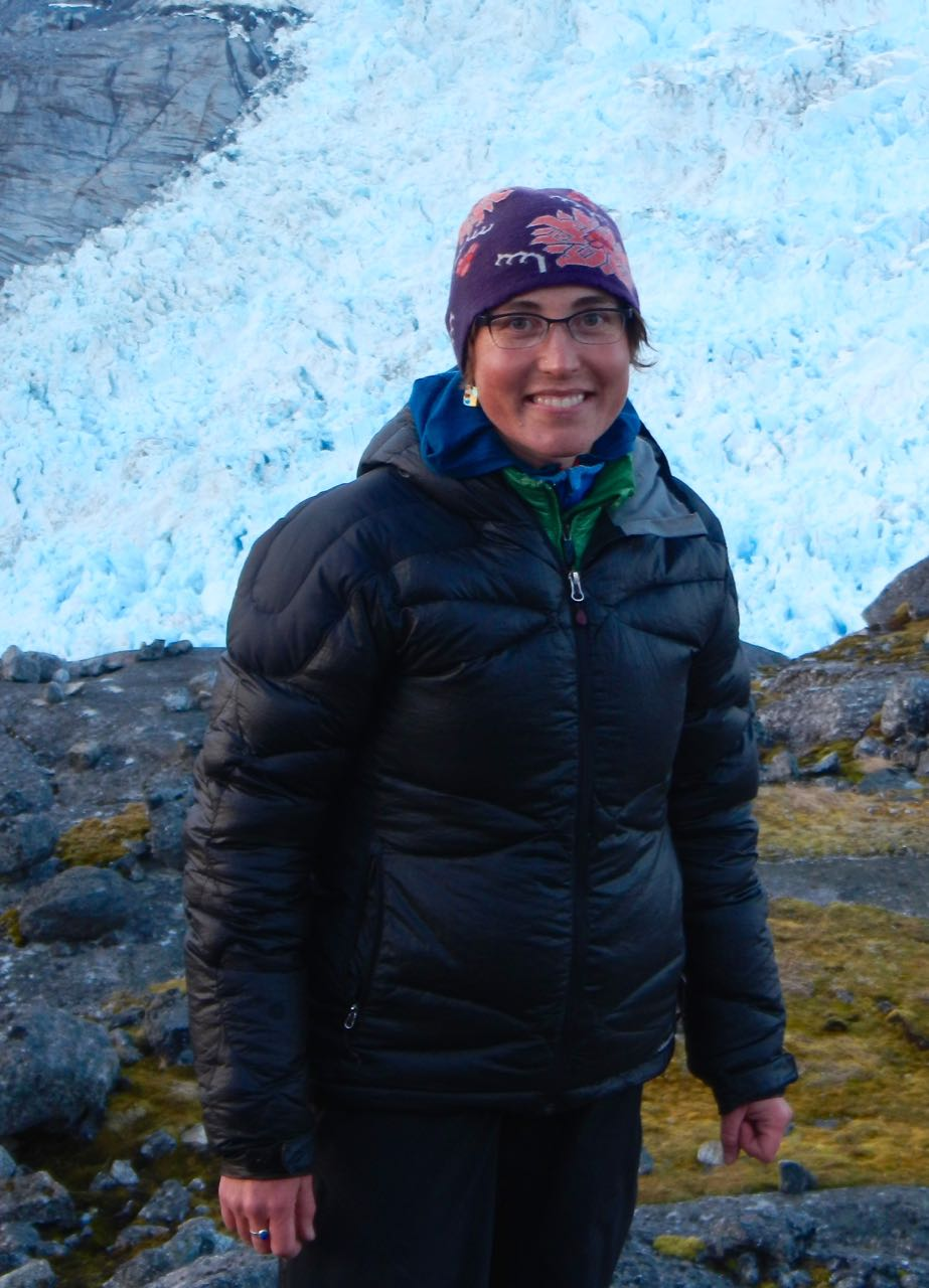 Dr. Twila Moon National Snow & Ice Data Center Cooperative Institute for Research in    Environmental Sciences University of Colorado & Co-founder Wheelhouse Institute Passionate about ice, science, communication, art, and the outdoors. Loves breakfast. C.V. [PDF]