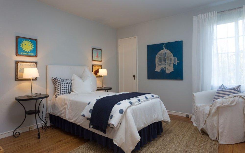 5847 2nd bedroom.jpg