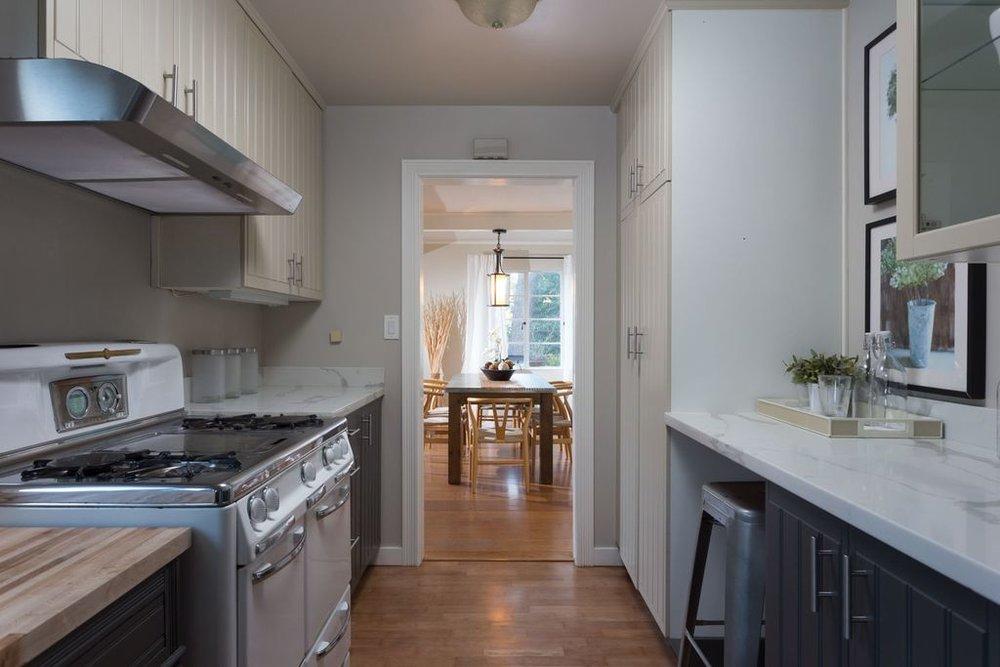 5847 kitchen 3.jpg