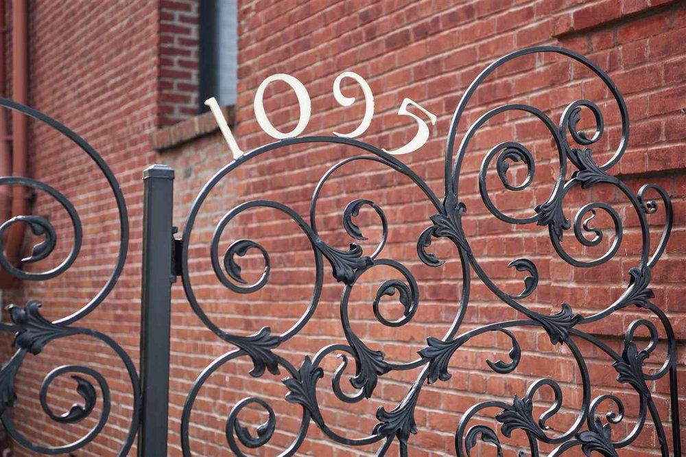 1095 number gate.jpg