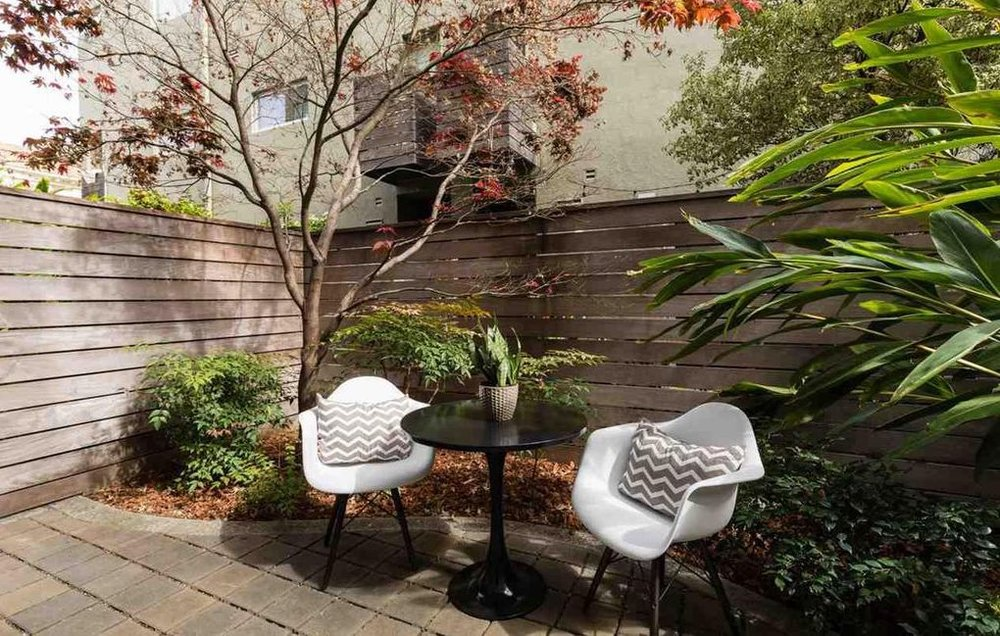 4059 shafter patio2.jpg