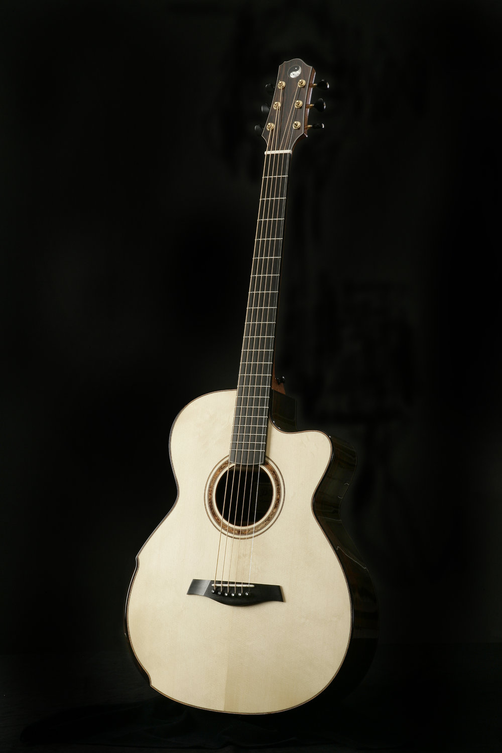 Baritone - With a scale length of 28