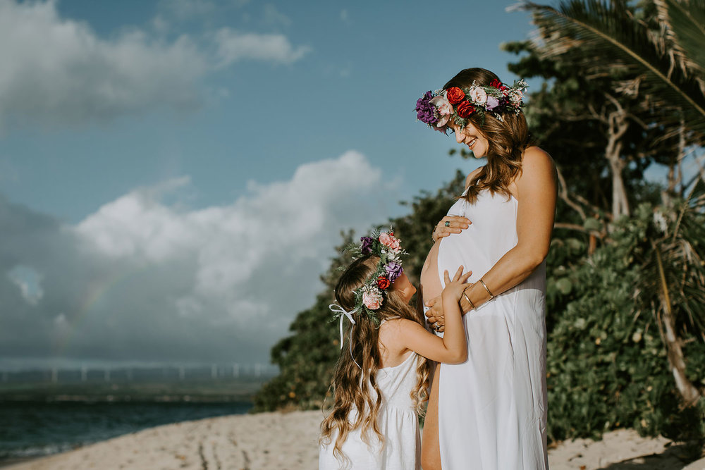 oahu-underwater-maternity-photographer-01.jpg