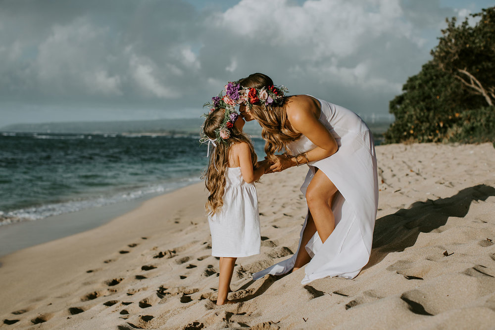 oahu-underwater-maternity-photographer-02.jpg