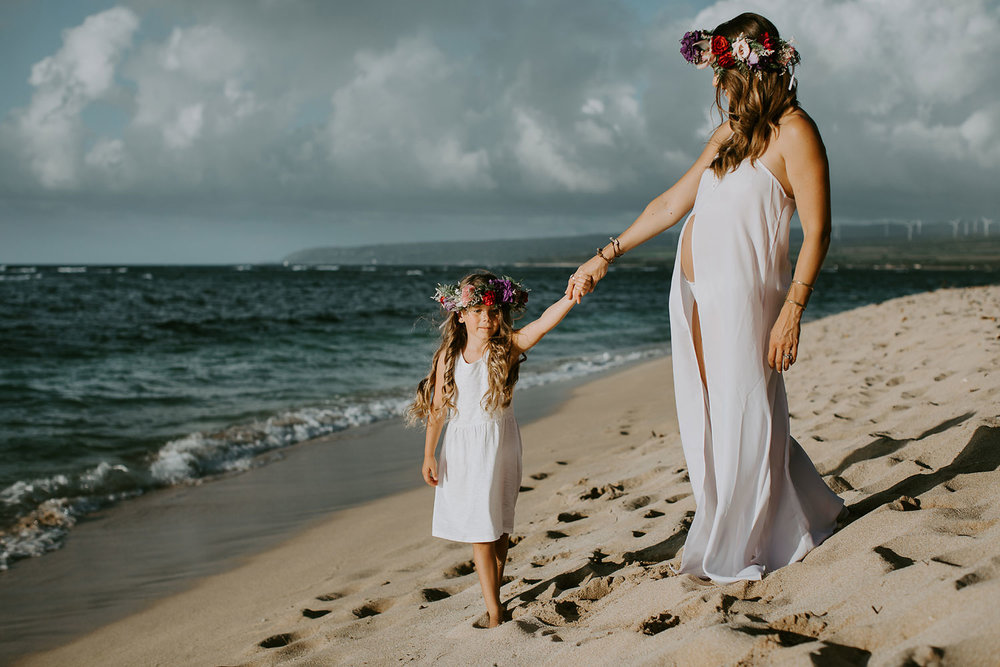 oahu-underwater-maternity-photographer-03.jpg
