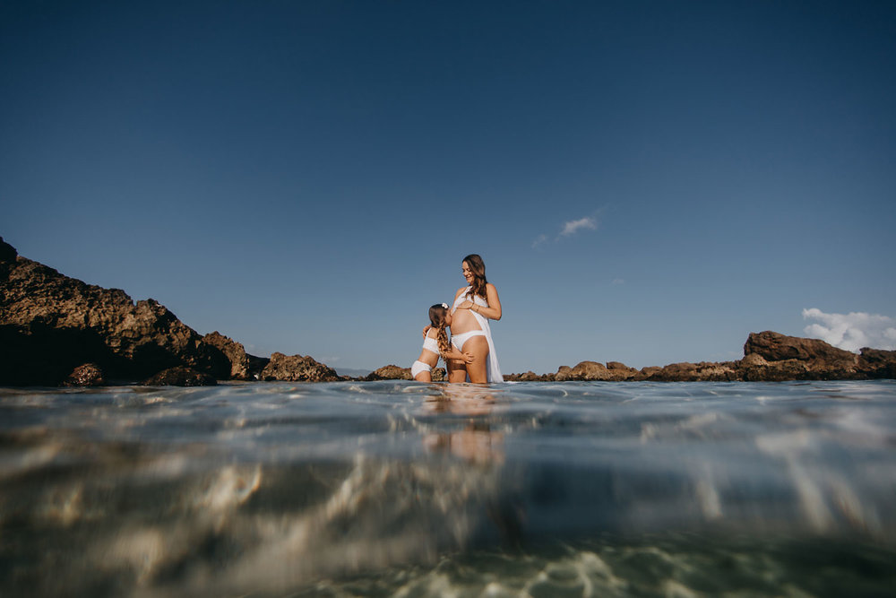 oahu-underwater-maternity-photographer-10.jpg