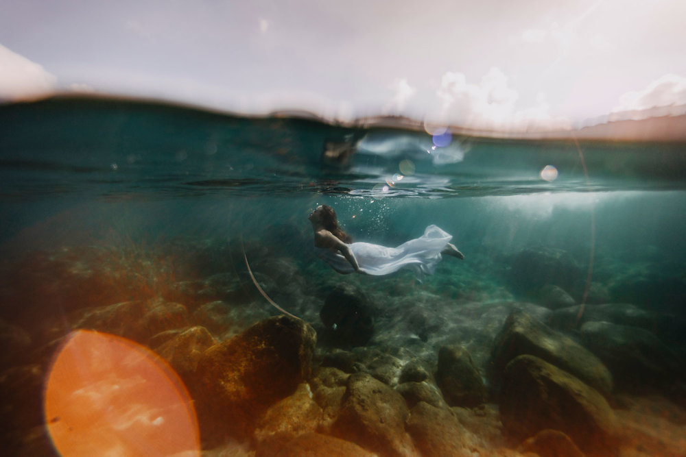 oahu-underwater-maternity-photographer-15.jpg