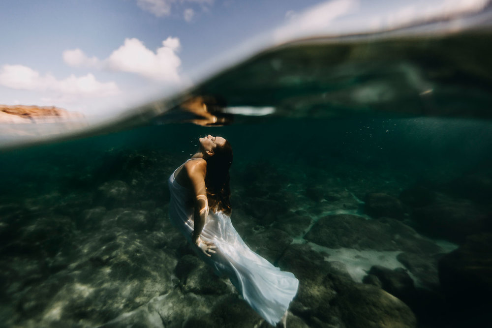 oahu-underwater-maternity-photographer-21.jpg