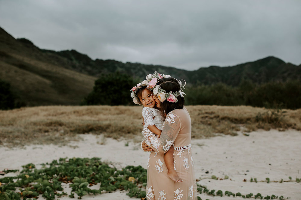 oahu-maternity-photographer-THE-SOPHIA-CO-03.jpg