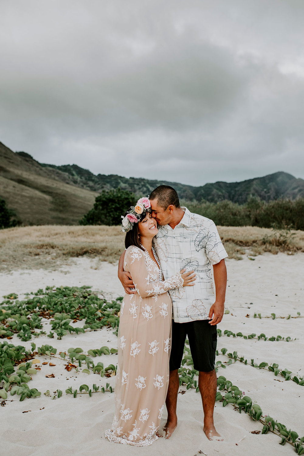 oahu-maternity-photographer-THE-SOPHIA-CO-06.jpg