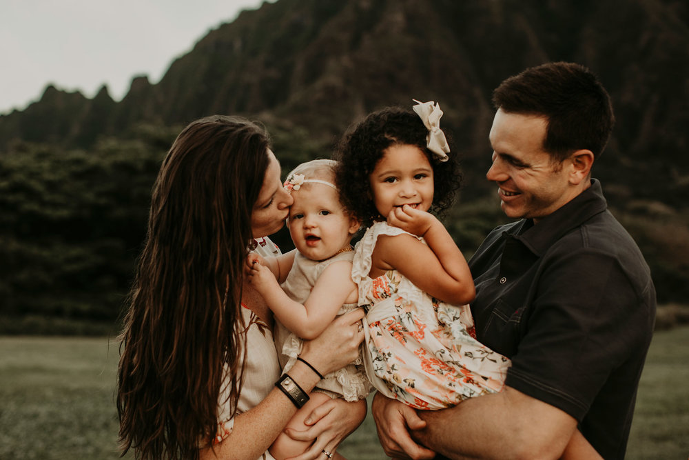 Sunrise-family-shoot-kualoa-ranch-02.jpg