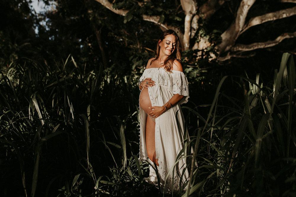 Jax-Kawela-Bay-Maternity-34.jpg
