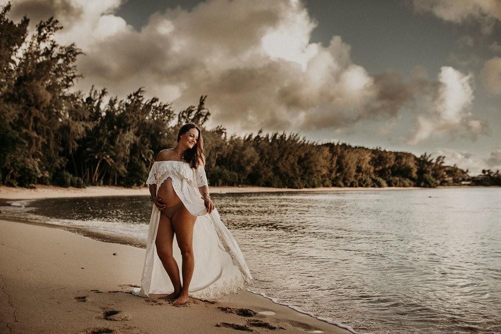 Jax-Kawela-Bay-Maternity-49.jpg