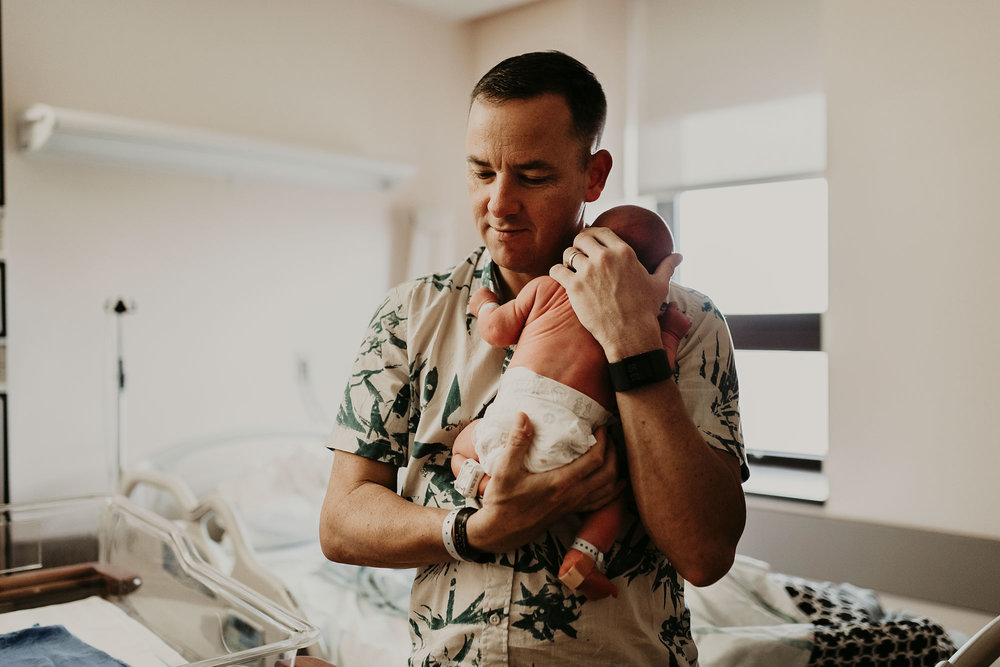 in-hospital-newborn-session-birth-photographer-hawaii-02.jpg