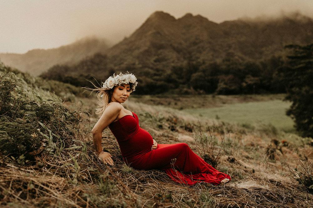 mountain-maternity-session-Hawaii-14.jpg