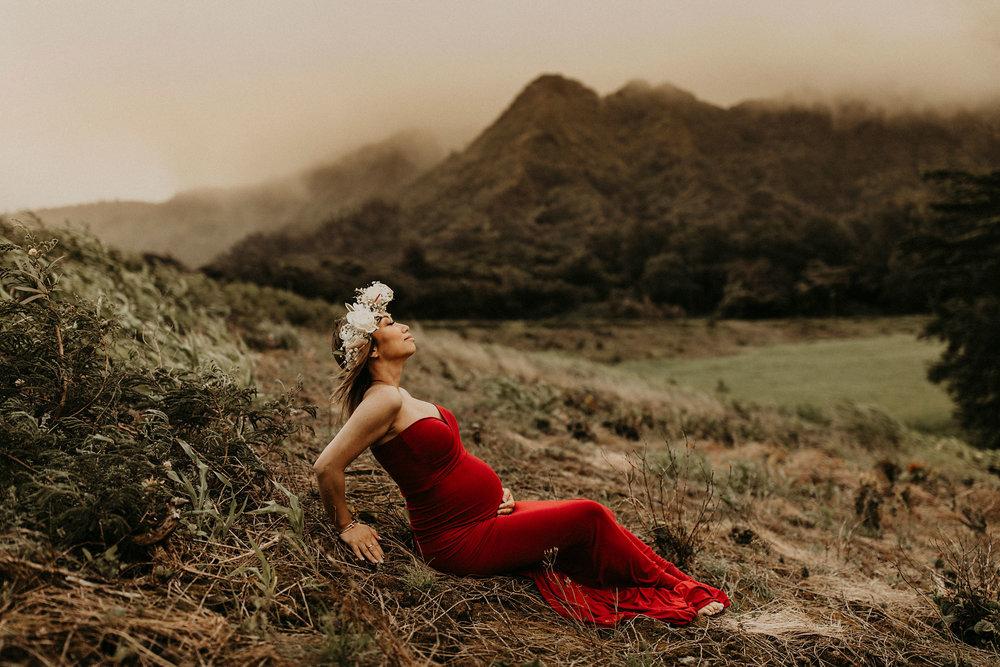 mountain-maternity-session-Hawaii-15.jpg