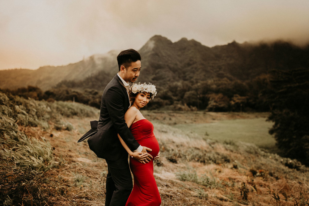 mountain-maternity-session-Hawaii-17.jpg