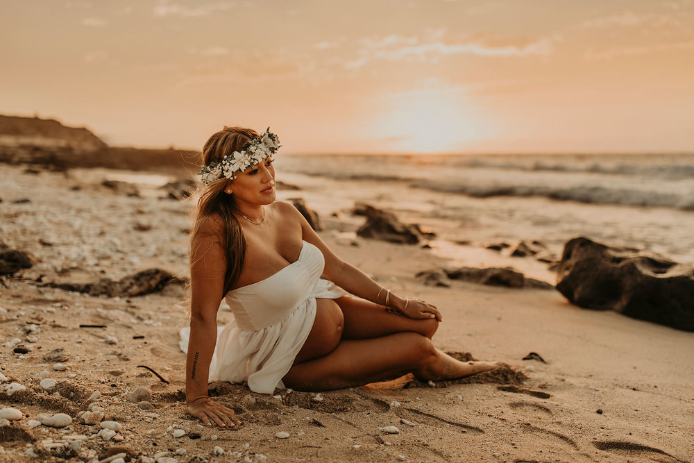 Hawaii-Maternity-Photographer-06.jpg