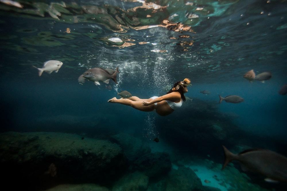 Hawaii-Underwater-maternity-photography-09.jpg
