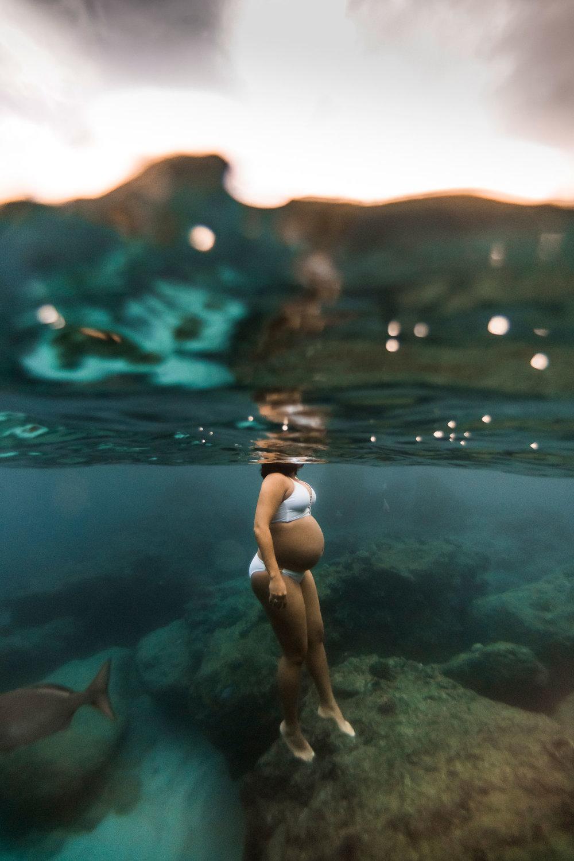 Hawaii-Underwater-maternity-photography-14.jpg