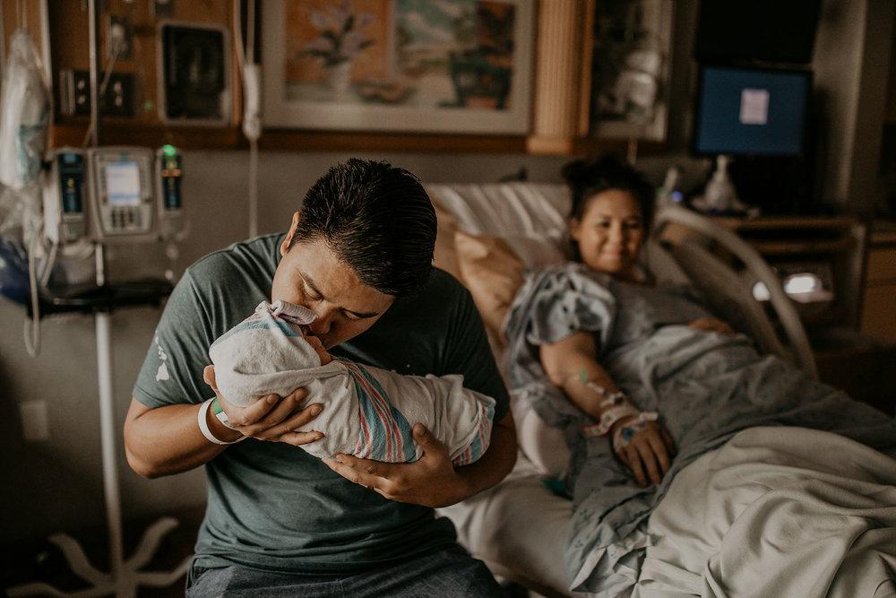 Hawaii-Birth-Photographer-Videographer-25.jpg