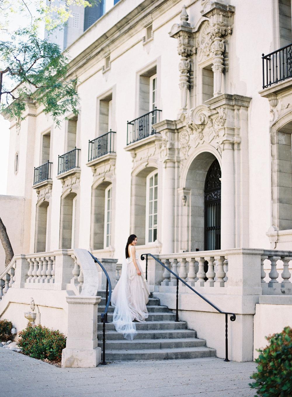 California Wedding Inspiration Fine Art Flowers Modern Romantic Finding Flora florist Sara Weir Wedding Venues