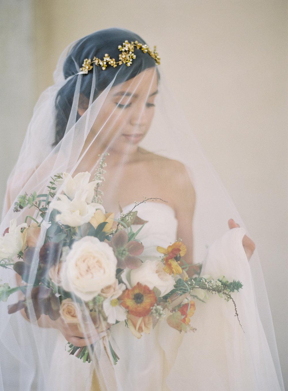 California Wedding Inspiration Fine Art Flowers Modern Romantic Finding Flora florist Sara Weir Sibo Designs Brial Veil Bouquet