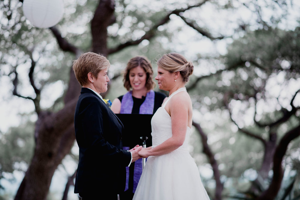 Austin Wedding Photographer Hacienda Del Lago LBGT Elegant031.jpg