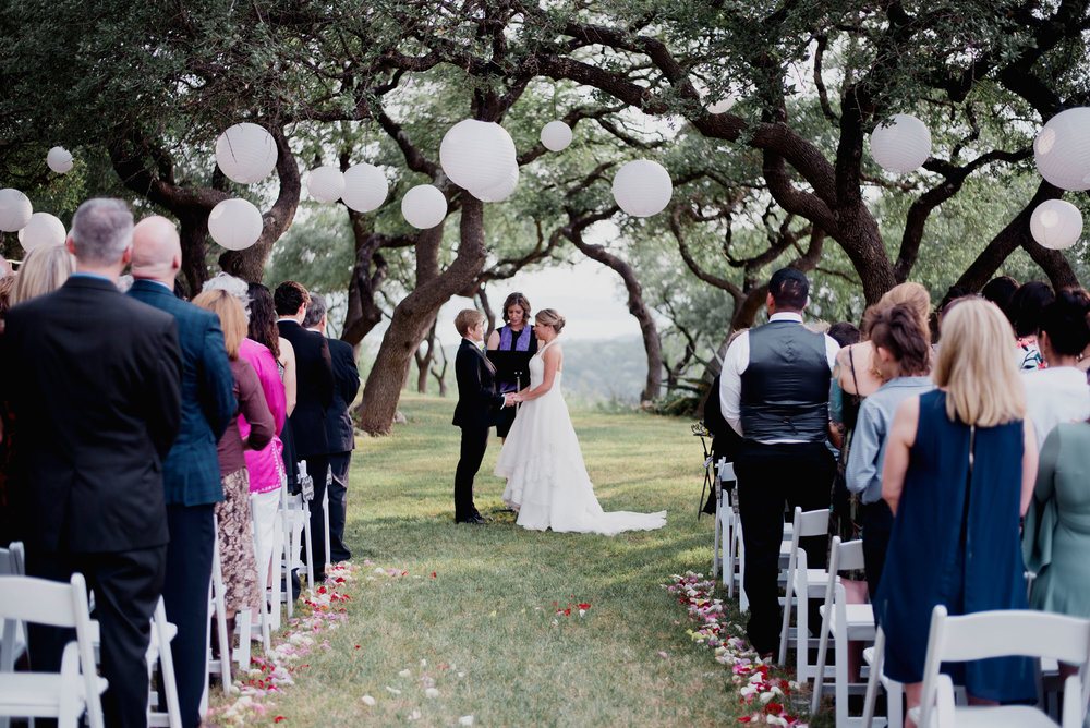 Austin Wedding Photographer Hacienda Del Lago LBGT Elegant030.jpg