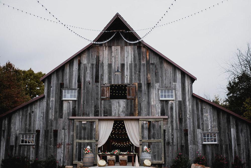 Kansas City Photographer Boho Barn Wedding at Heritage Ranch014.jpg