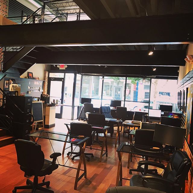 ⌨️🖱Suburban Co-working Serenity  #coworkers #digitalnomad #phoenixville