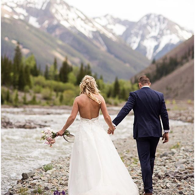 It was such a treat working with Sylvia and Greg for their wedding invitations! I love how gorgeous everything turned out for their wedding day, and am so happy for them!  #Repost @rockymtnbride ・・・ WEDDING // This picturesque lodge mountain wedding is featured online today and you don't want to miss it! 😍// Photo: @dayleneandco Design & Coordination: @heirloomsdurango Videographer: @shutterfreek Florist: @grandefetedesign Wedding Invitations: @zoet.design Desert: @nothingbundt Venue: Eureka Lodge, Dress Designer: @pronovias // #rockymountainbride #rmbcolorado