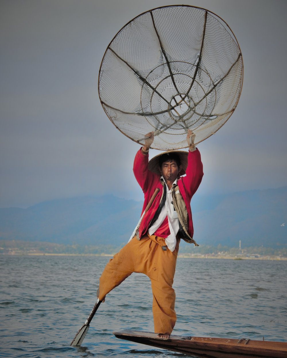 Fisherman casting net, Inle Lake