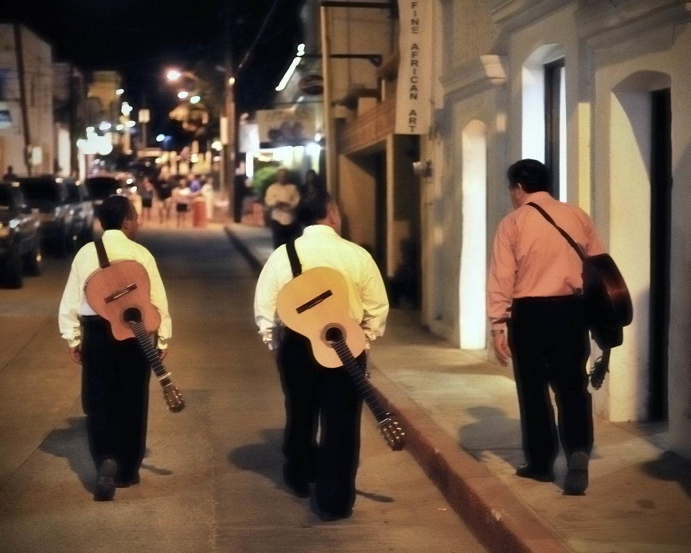 3 mariachisweb.jpg