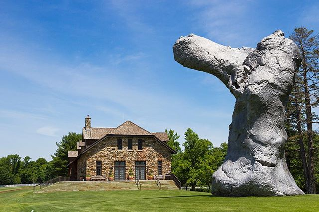 The Brant Foundation Art Study Center will be open for tours from 10-12pm for our guests during the event. Visit the brand new exhibit by Joe Bradley, Oscar Tuazon & Michael Wiliams, admission is free!  Photo by @katerina.morgan