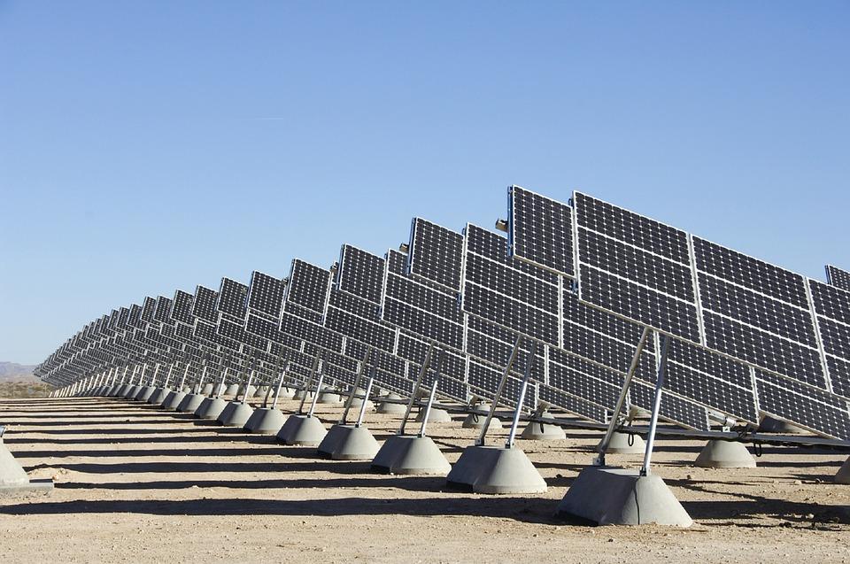 solar-panels-2016467_960_720.jpg