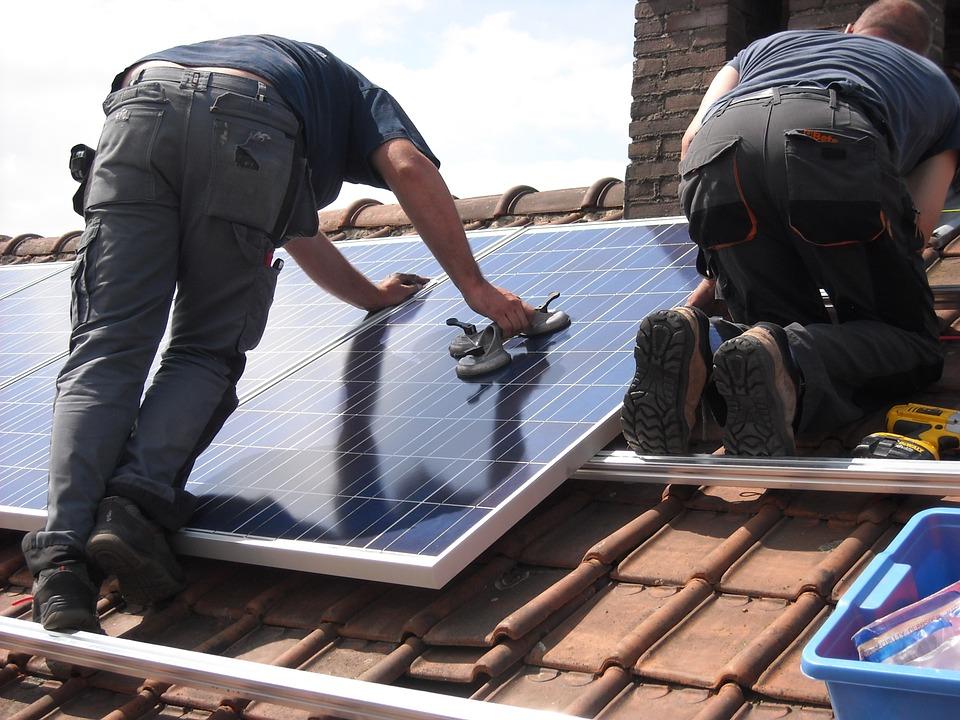 solar-panels-944000_960_720.jpg