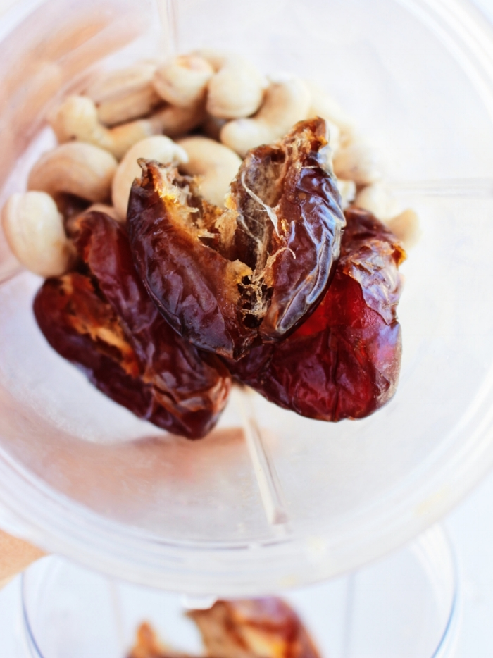 Dates & soaked cashews