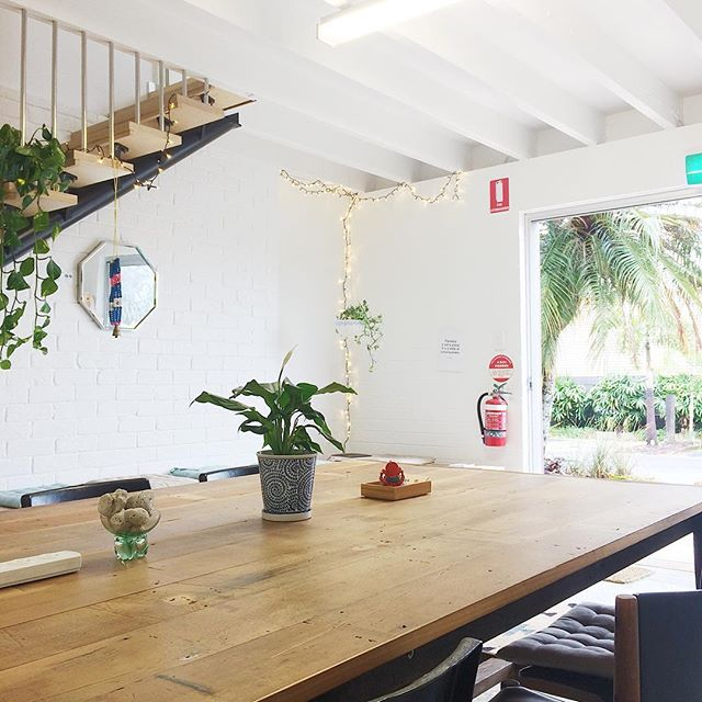 Tuesday is the new Monday - we are open and ready to roll! Let's co-work like a boss this week! Open for casual drop in 10-5 😉✌🏽 #coworking #mullumbimby #office #cowork #workwork #publicholiday #catchup