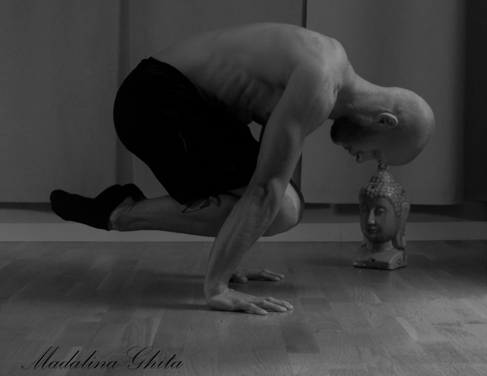 The Tuck Planche builds amazing arm, shoulder and core strength requiring no equipment at all, that's one part of minimal fitness.