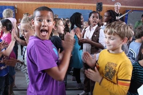 Bergedorf Dylan clapping kids gymnasium.jpeg