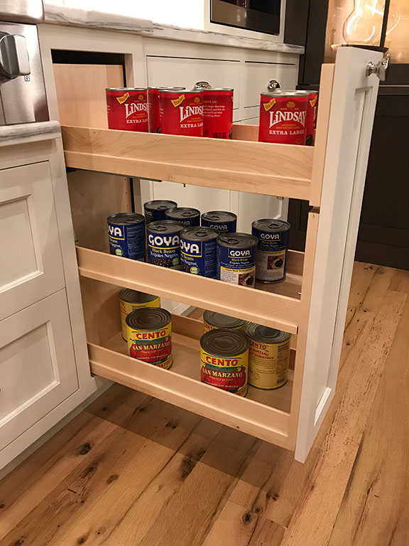 Roll-out Pantry