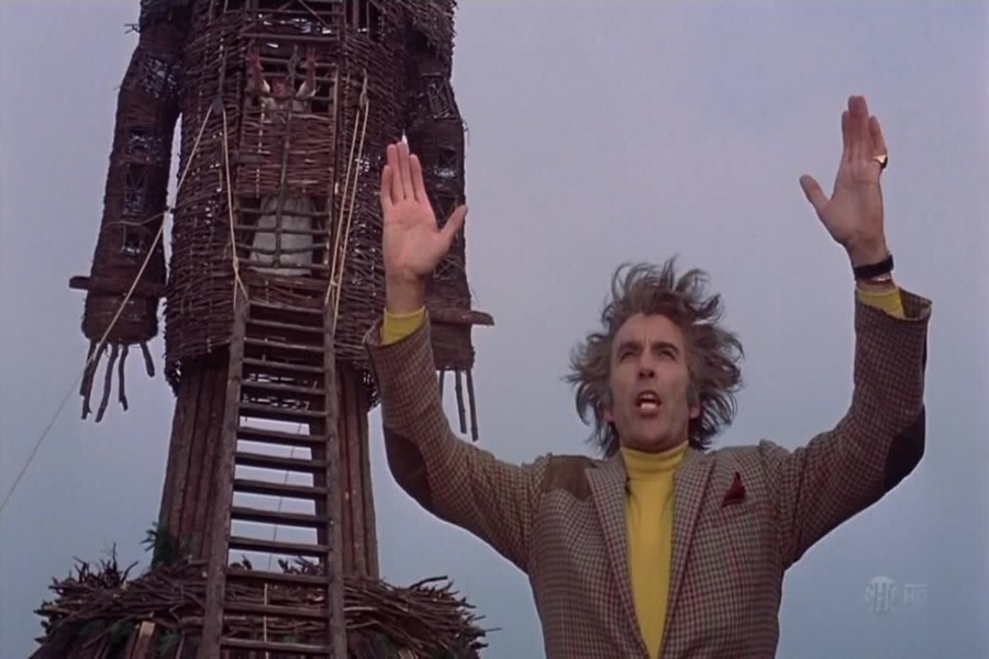 Christopher-Lee-and-Wicker-Man.jpg