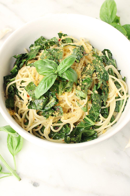 sauteed-kale-garlic-pasta-closeup