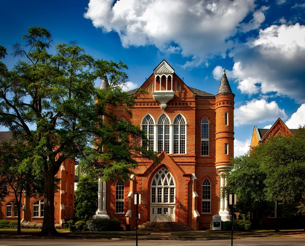 university-of-alabama-1611886_1280.jpg