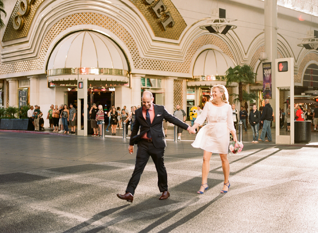 16-bride-groom-walk-fremont-street.jpg
